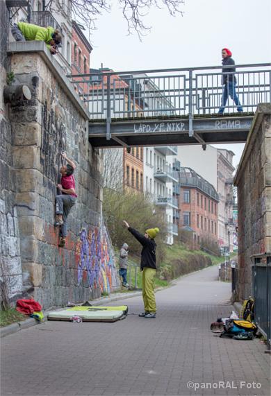 Kletterer an der Aurelienbrücke