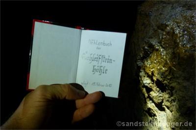 Höhlenbuch