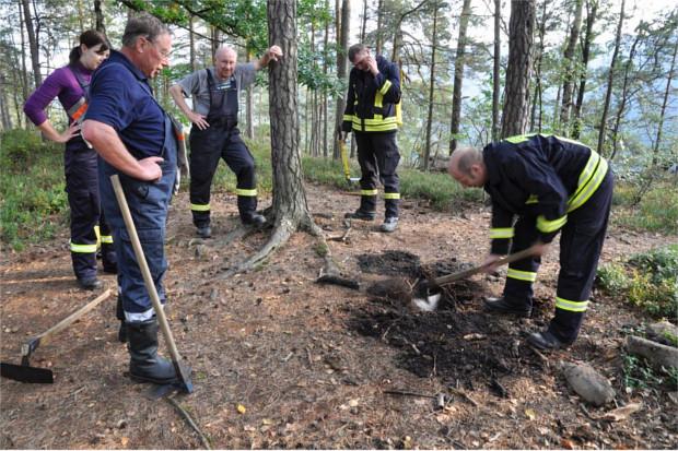 Feuerwehrleute auf dem Alten Wildenstein