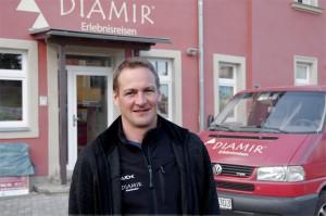 Markus Walter vor dem Diamir-Gebäude