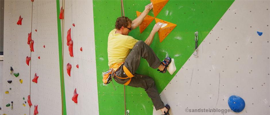 Kletterer an der Wettkampfwand