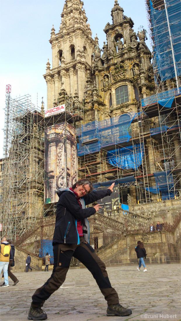 Bruni vor der Kathedrale von Santiago de Compostela