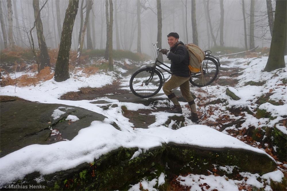 Bergauf wird das Rad stellenweise getragen