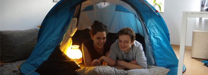 Die beiden Initiatoren haben ihr Zelt im Wohnzimmer aufgeschlagen