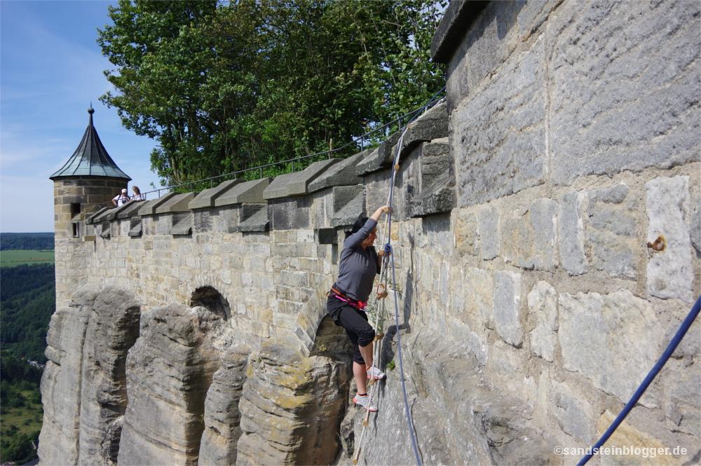 Eine Kletterin auf Abratzkys Spuren