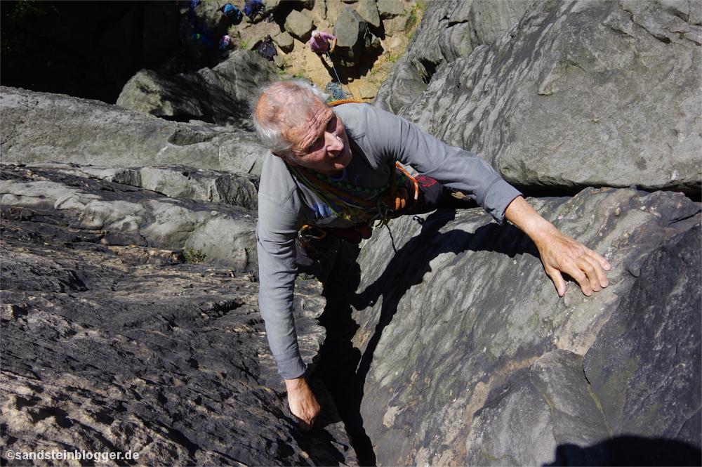 Gisbert klettert den Winkelriss
