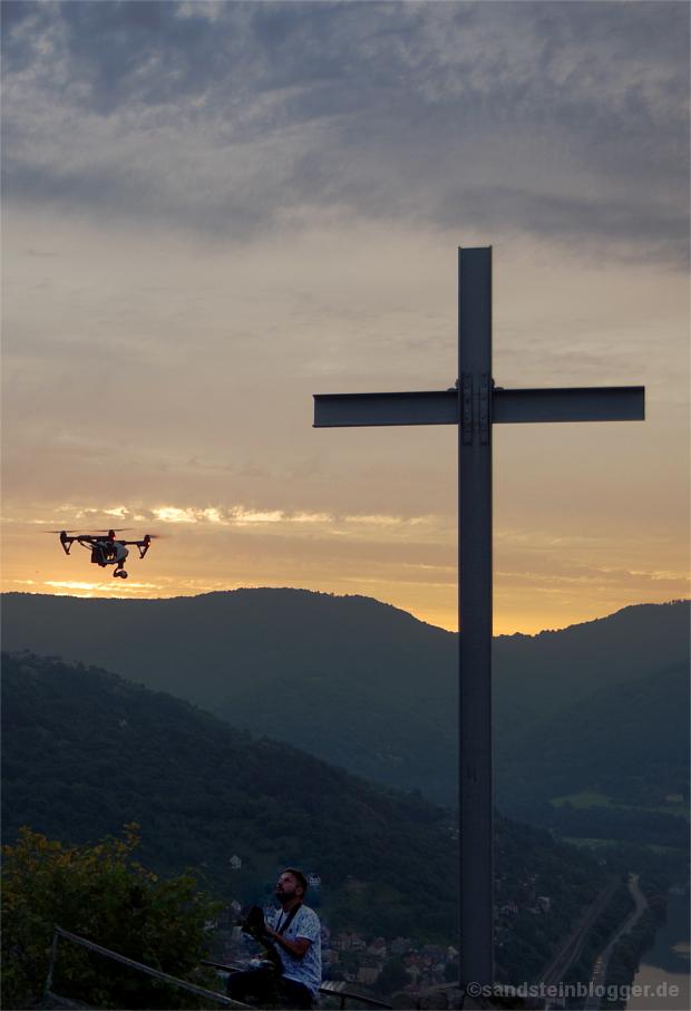 Drohnenstart zum Sonnenaufgang
