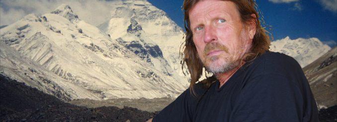 Der Dresdner Alpinist Götz Wiegand vor dem Mount Everest