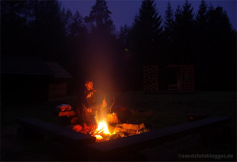 Biwakplatz am Taubenteich mit Lagerfeuer