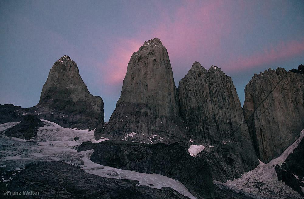 Ein gewaltiges Bollwerk aus Granit: Die 1300 Meter hohe Ostwand des Torre Central.