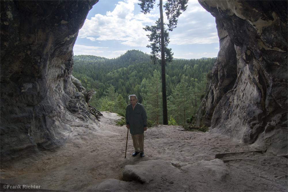 Dietrich Graf in der Kleinsteinhöhle