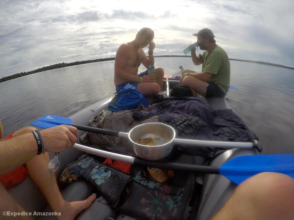 Männer im Boot