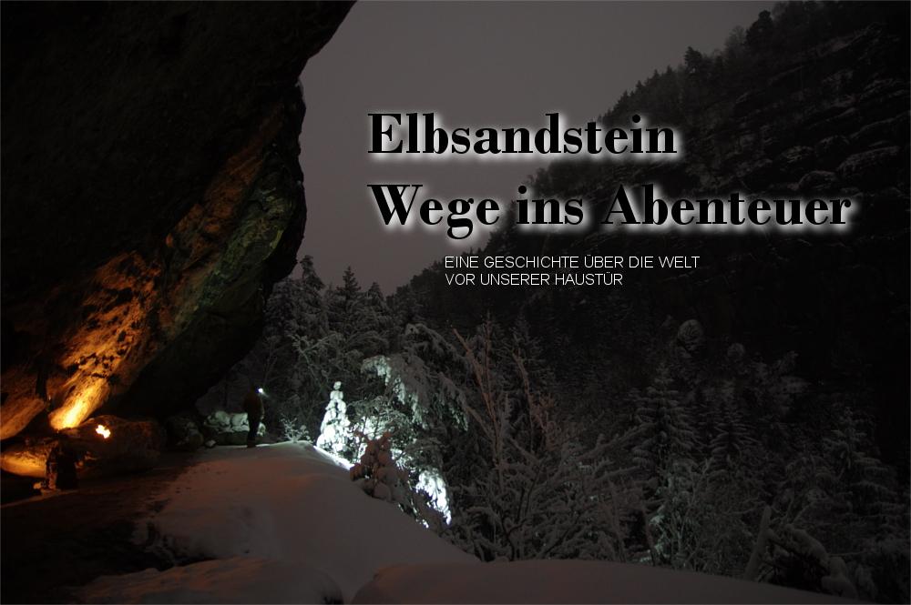 Nachtlandschaft Elbsandsteingebirge, einsamer Mann mit Stirnlampe im Schnee