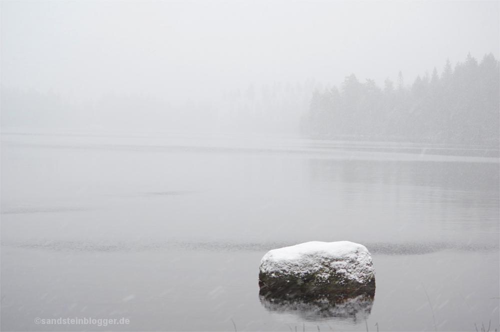 Ein Stein im See, Schneetreiben