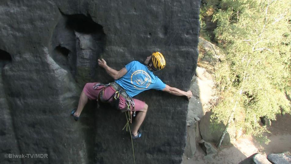 Kletterer an Felskante