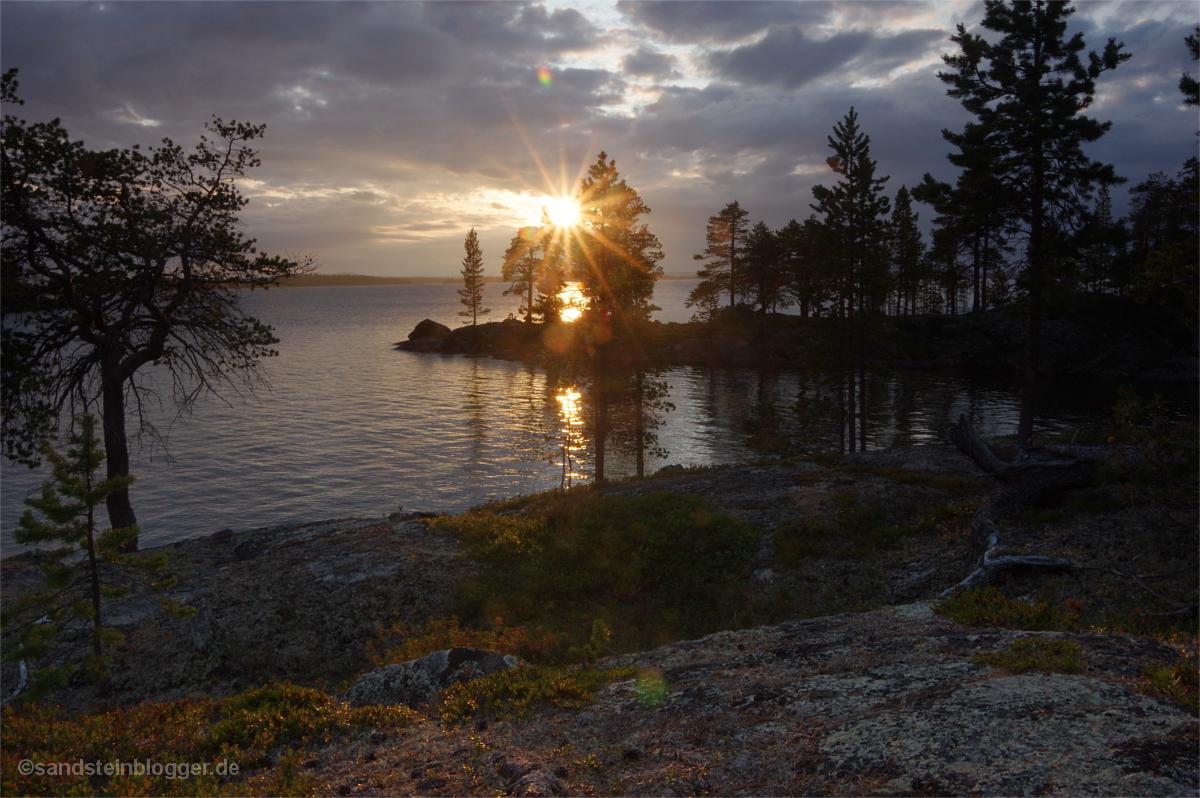 Sonnenuntergang in einer Bucht